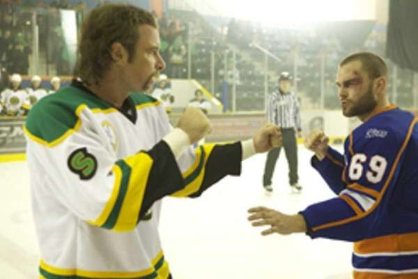 Liev Schreiber and Seann William Scott in GOON,