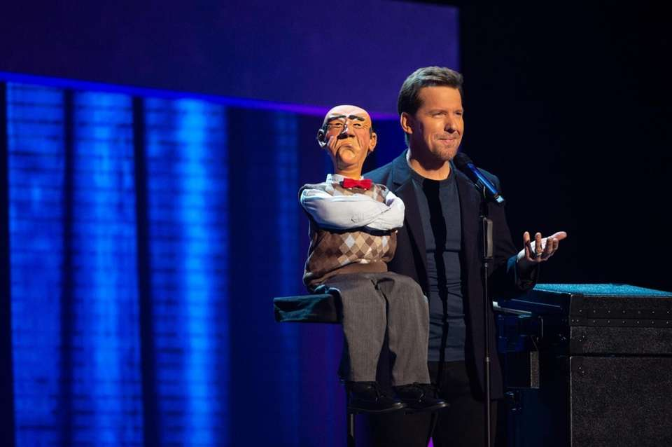 Stand-up comedian and ventriloquist Jeff Dunham is back