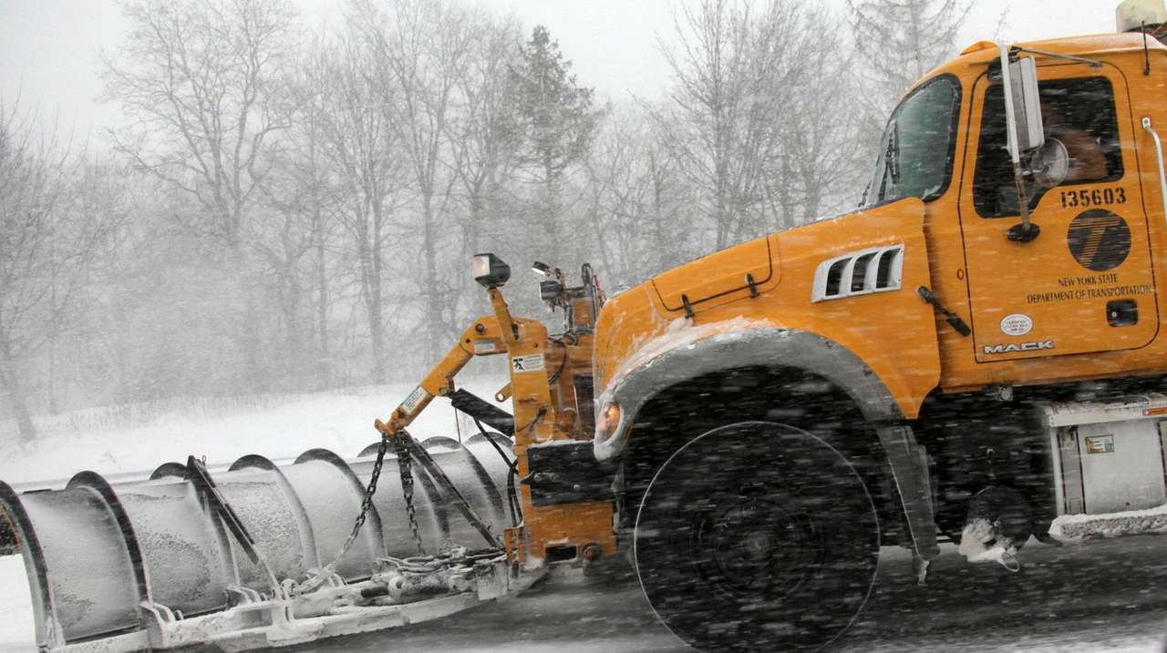 State seeking snowplow drivers, mechanics