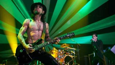 Alt-music icons Jane's Addiction plays the Paramount in