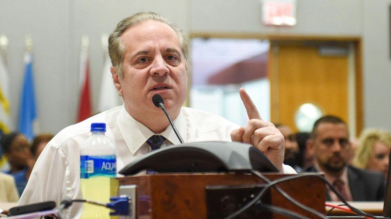 ASuffolk legislative committee on Thursday sent abill extendingthe