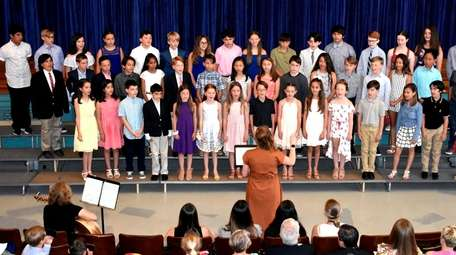 Sea Cliff Elementary School students delivered a performance