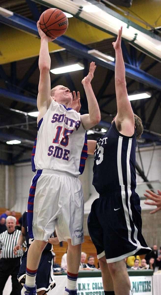 South Side's Kevin Coyle shoots over Hewlett's Avery