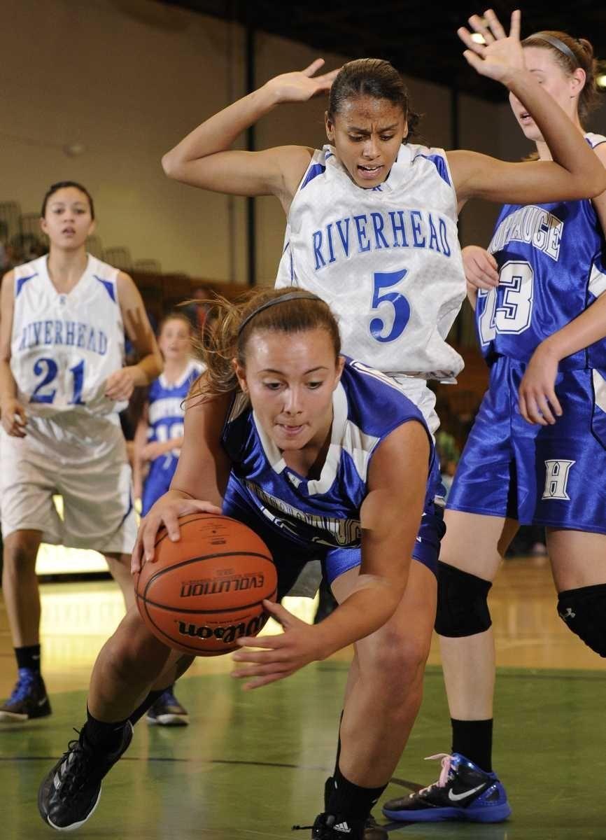 Hauppauge forward Stephanie Peragallo drives the ball along