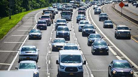 Eastbound traffic on the Long Island Expressway in