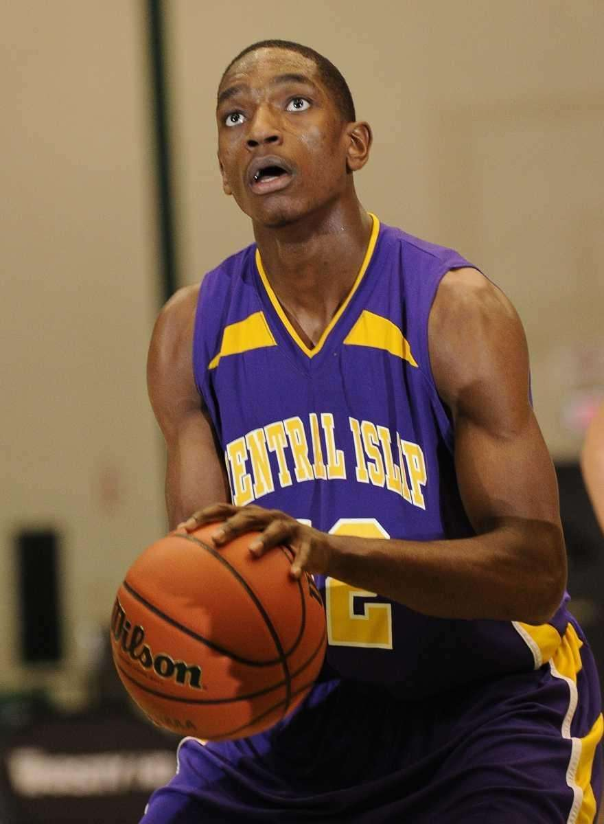 Central Islip's Timothy McKenzie lines up his free