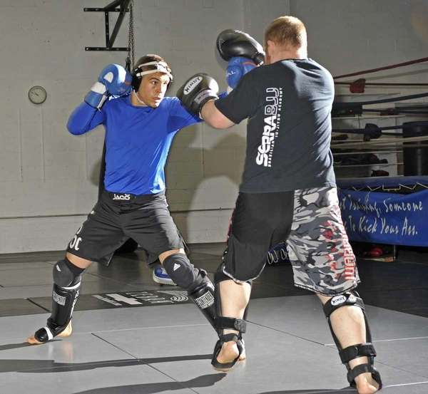 Al Iaquinta of Wantagh spars with James Gabert