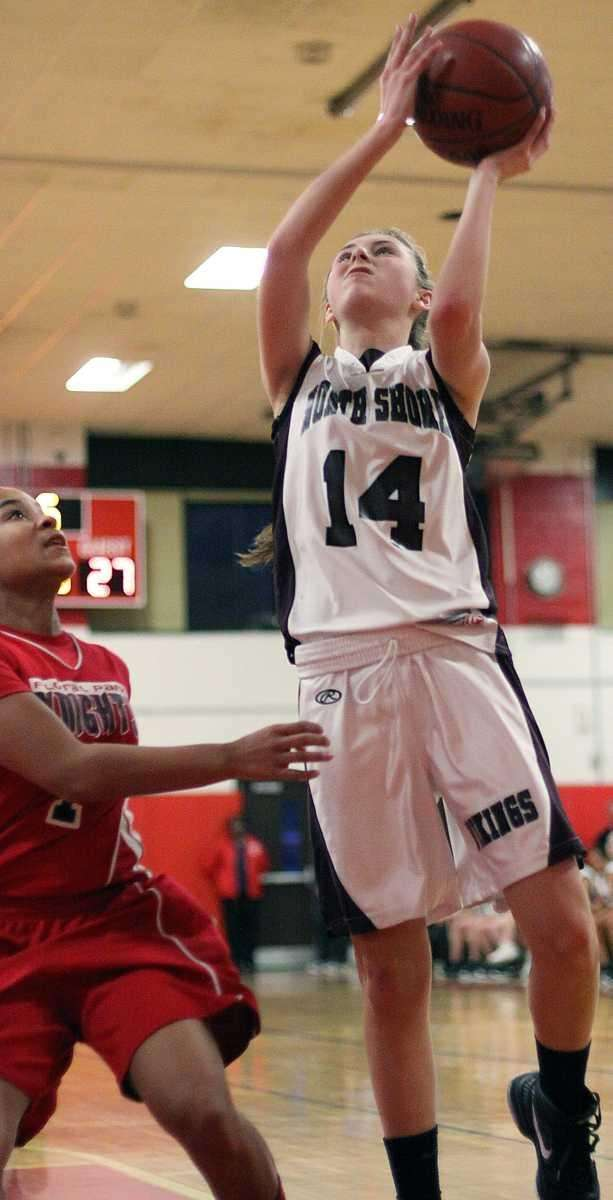 North Shore's Alexandra Cantwell looks to shoot. (Feb.