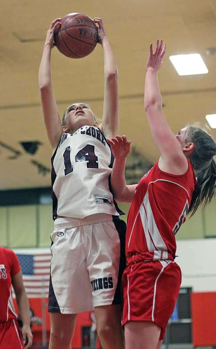 North Shore's Alexandra Cantwell gets the rebound. (Feb.