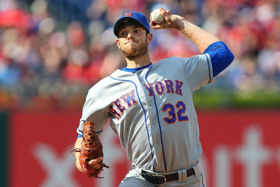 Pitcher Steven Matz #32 of the New York
