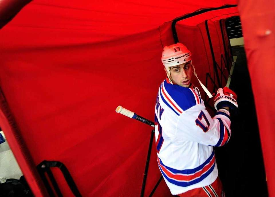 Rangers' Brandon Dubinsky leaves the ice after warmups