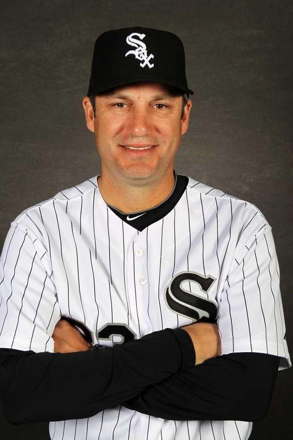 Manager Robin Ventura #23 of the Chicago White