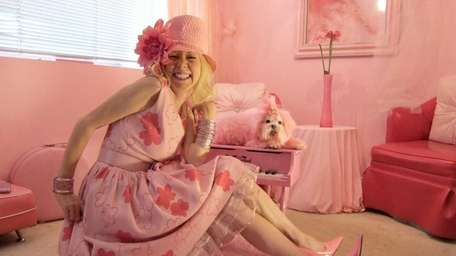 Kitten Kay Sera, Hollywood voiceover artist who lives,
