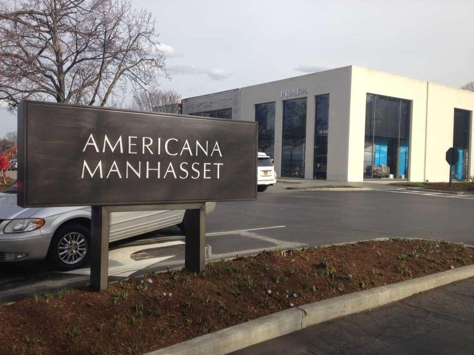 Americana Manhasset is a shopping center located at