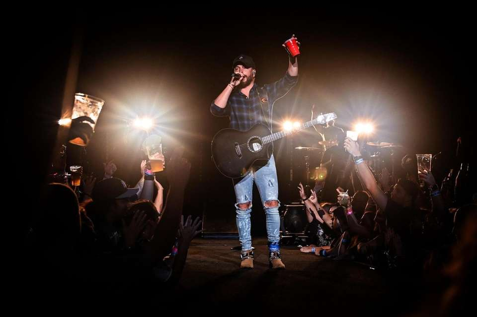 Chris Lane performs at the Northwell Health at