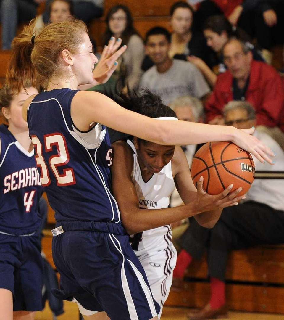 Cold Spring Harbor forward Gabrielle Doria and Southampton\s
