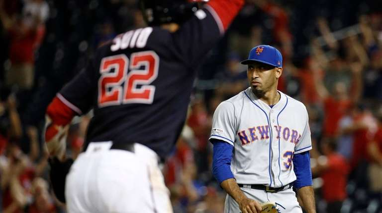 Bullpen collapse stuns Mets into silence as season appears all but over