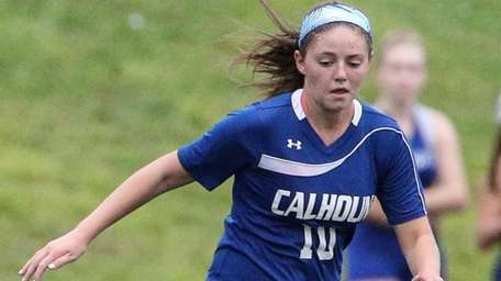 Calhoun's Kerry Pearson moves the ball against Port