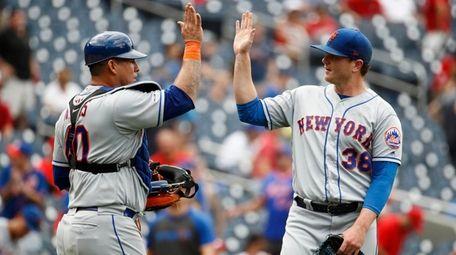 New York Mets catcher Wilson Ramos, left, and