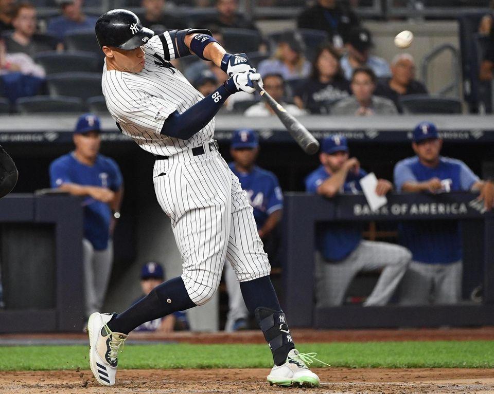 New York Yankees right fielder Aaron Judge hits
