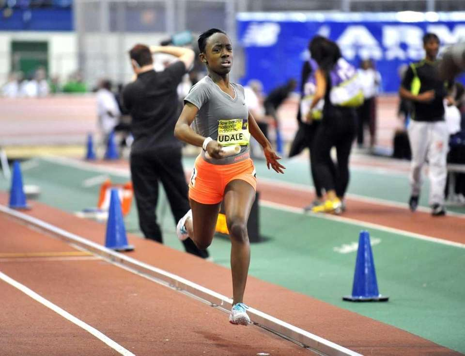Timaya Forehand of Uniondale strides to the finish