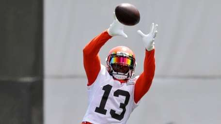 Odell Beckham Jr. makes his Browns debut Sunday.