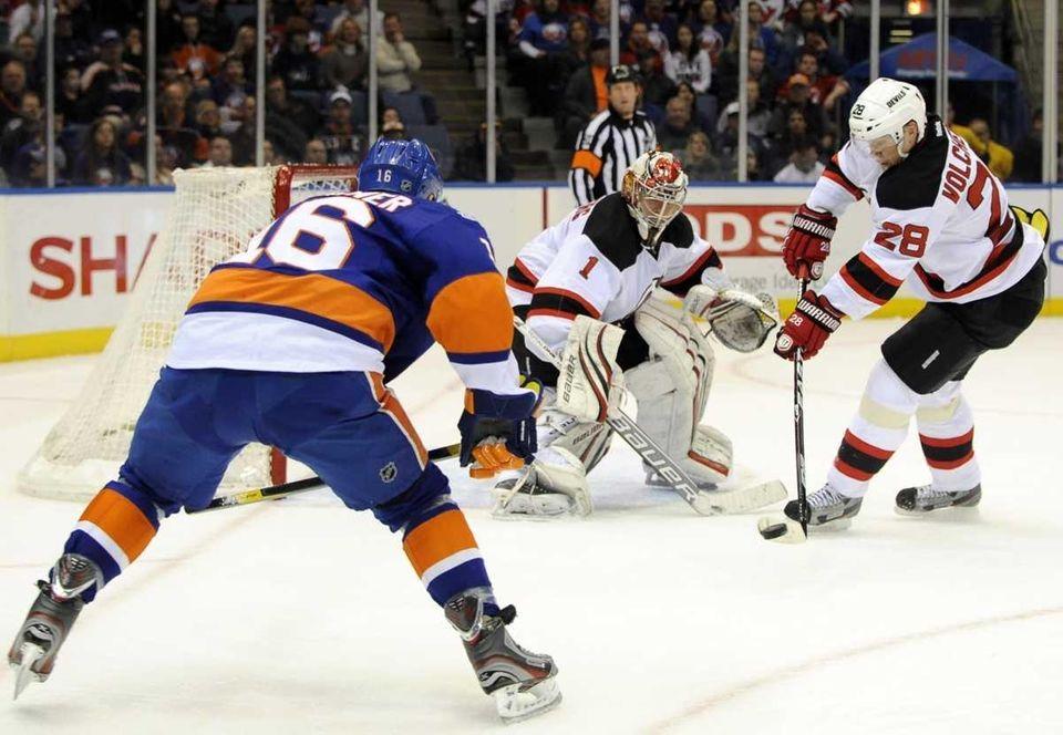 New Jersey Devils goalie Johan Hedberg and Anton