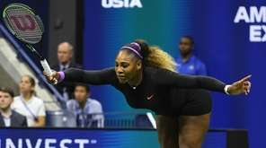 Serena Williams take a bow during a semifinal