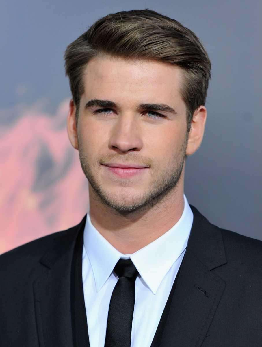 Actor Liam Hemsworth arrives to the premiere of