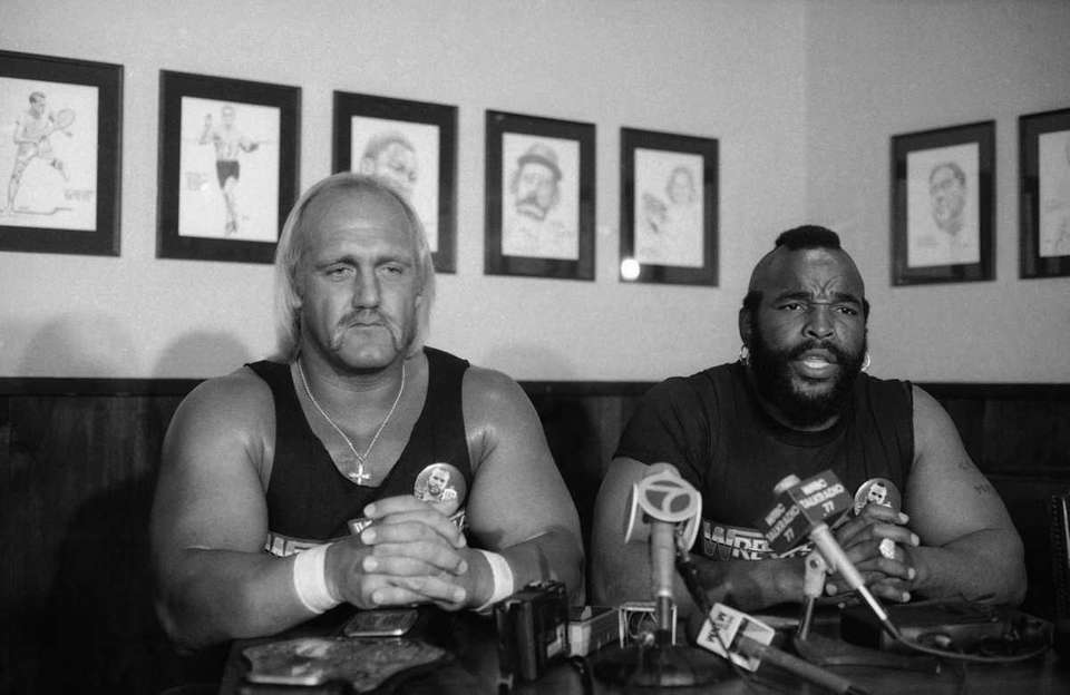 World Wrestling Federation heavyweight champion Hulk Hogan, left,