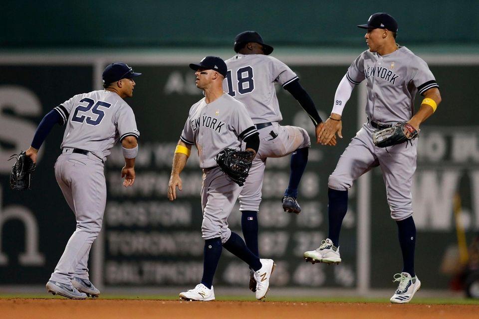 From left, the Yankees' Gleyber Torres, Brett Gardner,