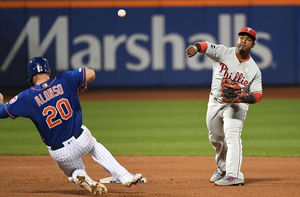 Philadelphia Phillies shortstop Jean Segura forces out New