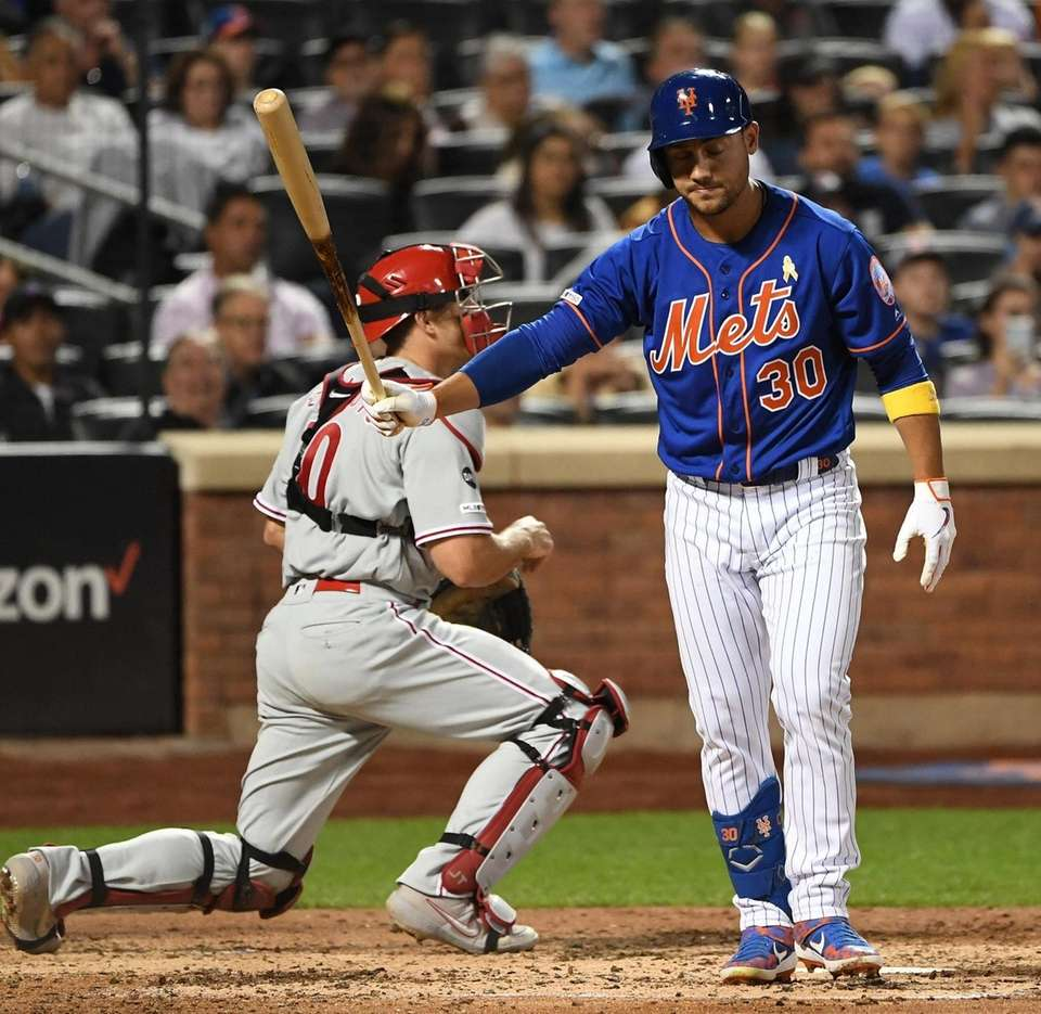 New York Mets right fielder Michael Conforto reacts