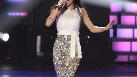 Jessica Sanchez performs Gloria Estefan's version of