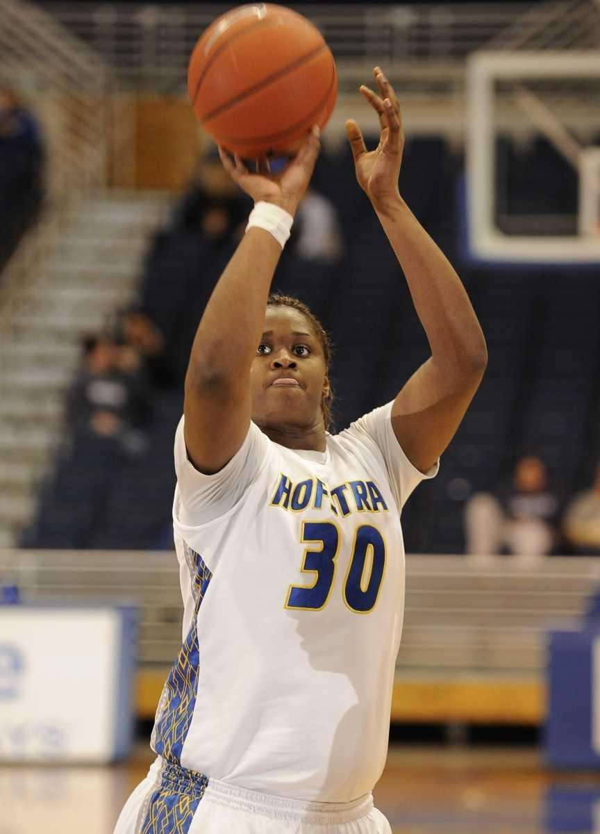 Hofstra forward Shante Evans sinks a free throw