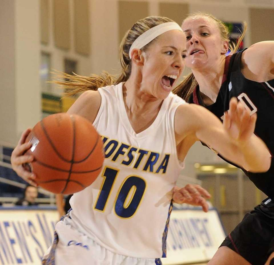 Hofstra guard Candice Bellocchio drives to the basket
