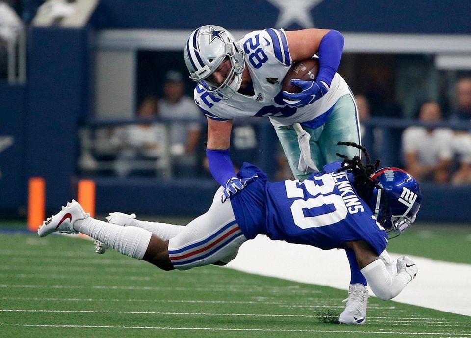 Giants cornerback Janoris Jenkins stops Cowboys tight end