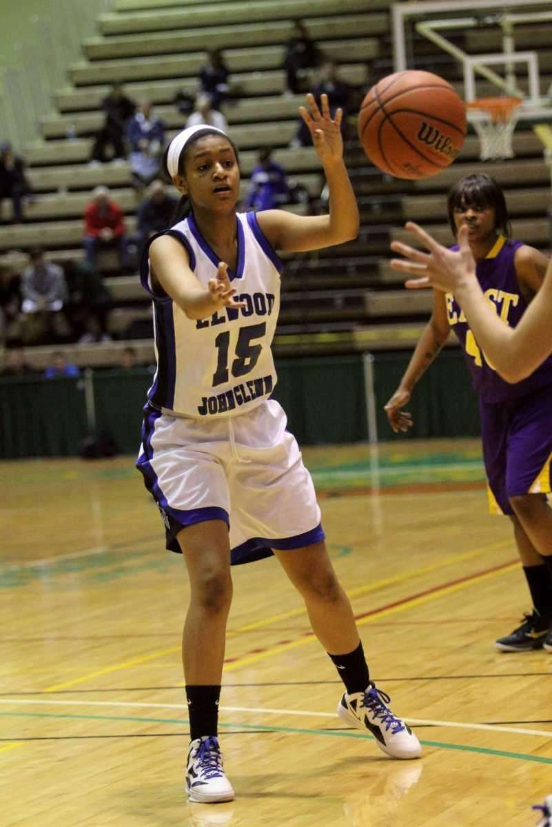 Elwood/John Glenn's Tanna Mohammed passes the ball to