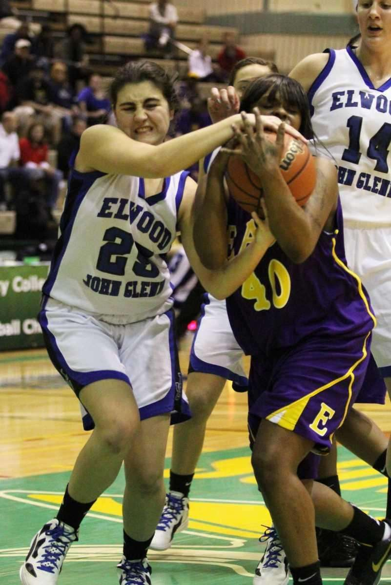 Glenn's Rachel Miller tries to get the ball