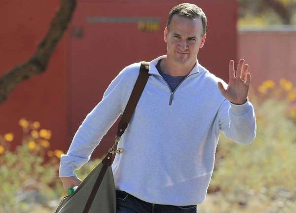 Peyton Manning leaves the Arizona Cardinals training facility