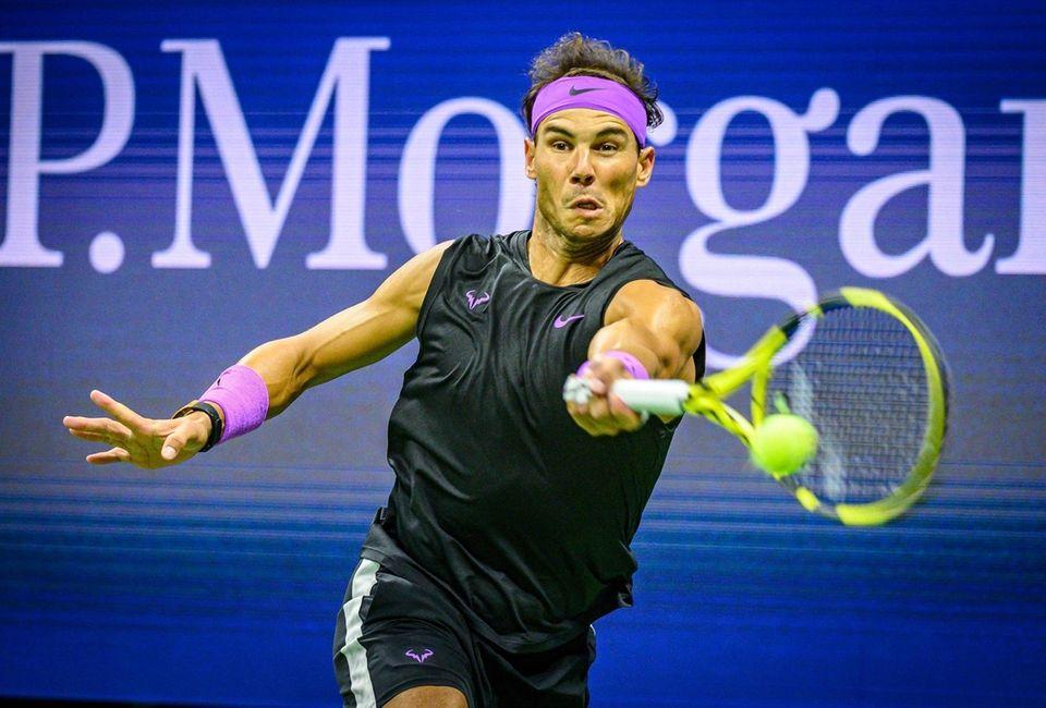 Rafael Nadal hits a forehand against Matteo Berrettini