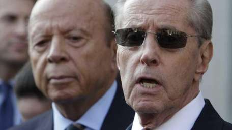 New York Mets' owners Fred Wilpon, right, and