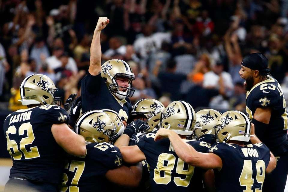 Saints kicker Wil Lutz celebrates his game winning