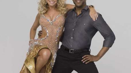 Jaleel White and Kym Johnson earned top numbers