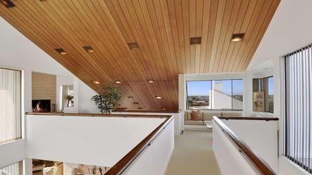 A 2.5-acre Quogue family compound designed by architect