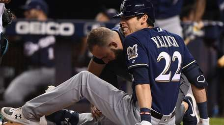 Christian Yelich #22 of the Milwaukee Brewers is