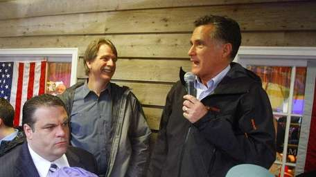 Comedian Jeff Foxworthy is expected to host a