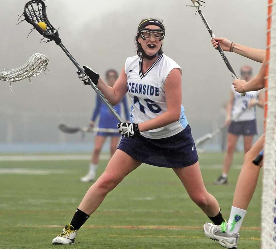 Oceanside's Stephanie Keane looks for a shot. (March