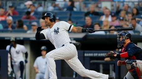 FILE PHOTO: Aaron Hicks #31 of the New