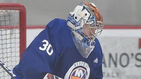 Islanders goalie Linus Soderstrom makes a save during